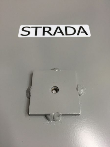 Strada Pad tripod mount on the bottom.